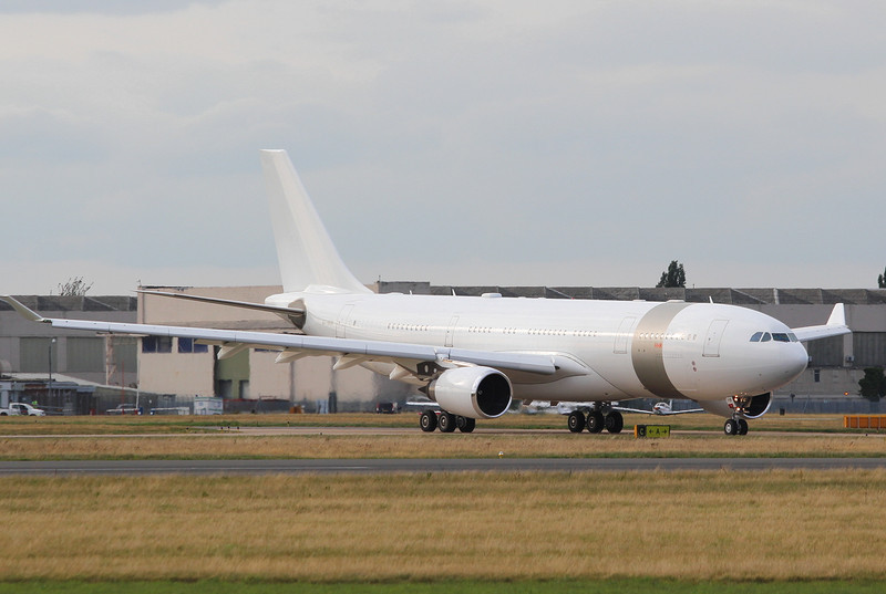 Qatar Amiri Flight A330, A7-HHM.<br /> By Clive Featherstone.