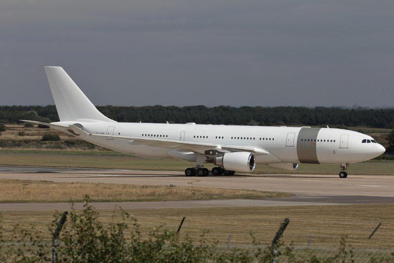 Qatar Amiri Flight Airbus A330-200, A7-HHM at the end of the runway<br /> By Steve Roper.