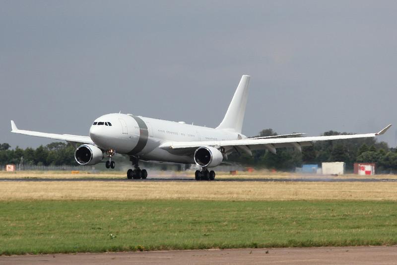 Qatar Amiri Flight Airbus A330-200, A7-HHM <br /> By Clive Featherstone.