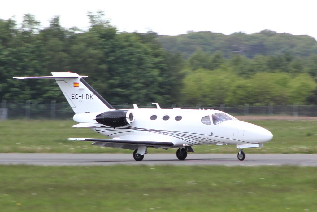 Jetnova de Aviacion Ejecutiva, Cessna 510 Citation Mustang, EC-LDK <br /> By Clive Featherstone.