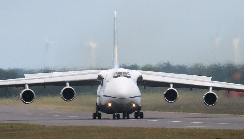 Antonov Design Bureau An124-100, UR-82072<br /> By Jim Calow.