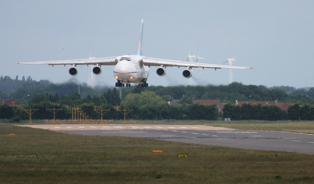 Feeling the effects of a strong crosswind.........Antonov Design Bureau An124-100, UR-82072<br /> By Jim Calow.