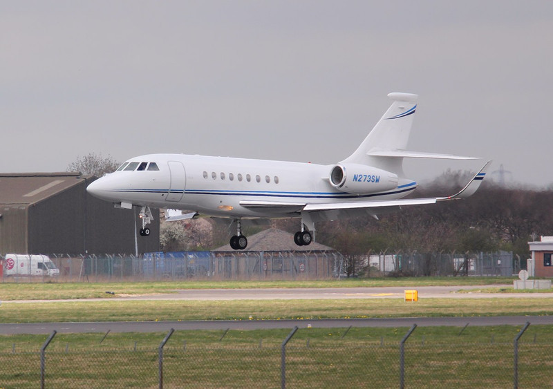 Dassault Falcon 2000EX, N273SW<br /> By Correne Calow.