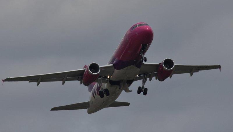 Wizz Air A320 HA-LWO, gets airbourne off rnwy 20.<br /> By Steve Roper.