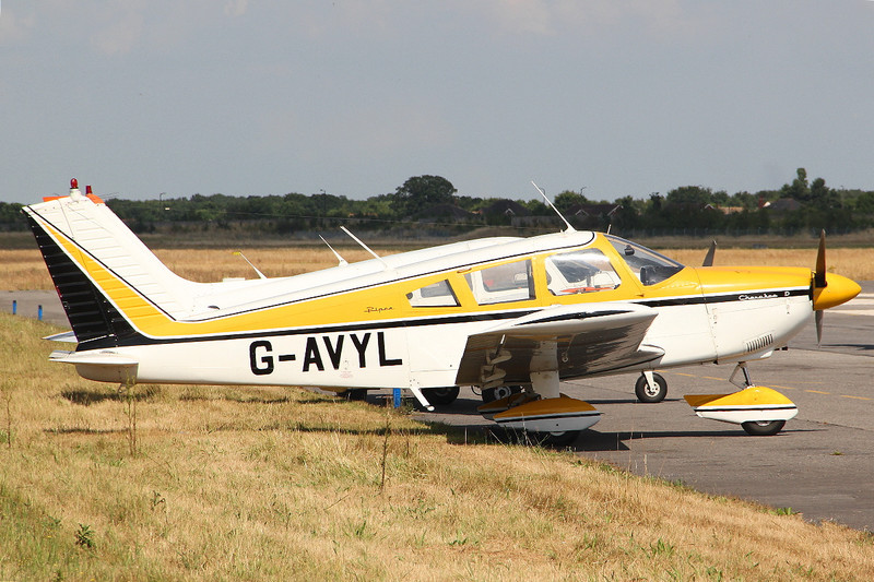 Piper PA-28-180 Cherokee D, G-AVYL<br /> By Clive Featherstone.
