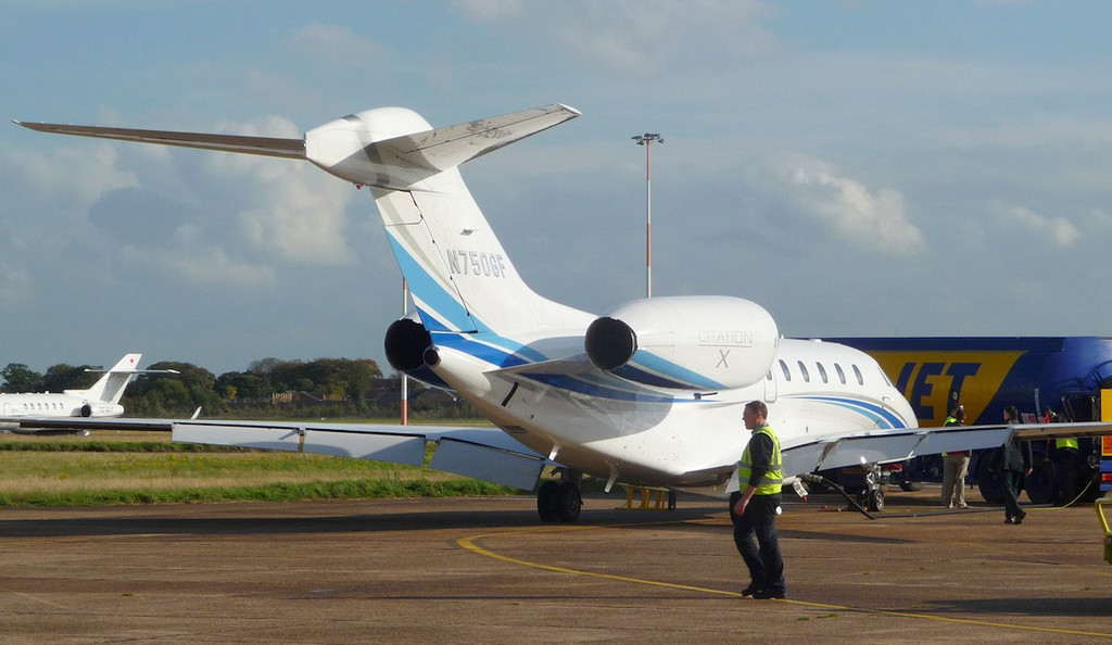 Cessna 750 Citation X, N750GF picking up fuel<br /> By Correne Calow.