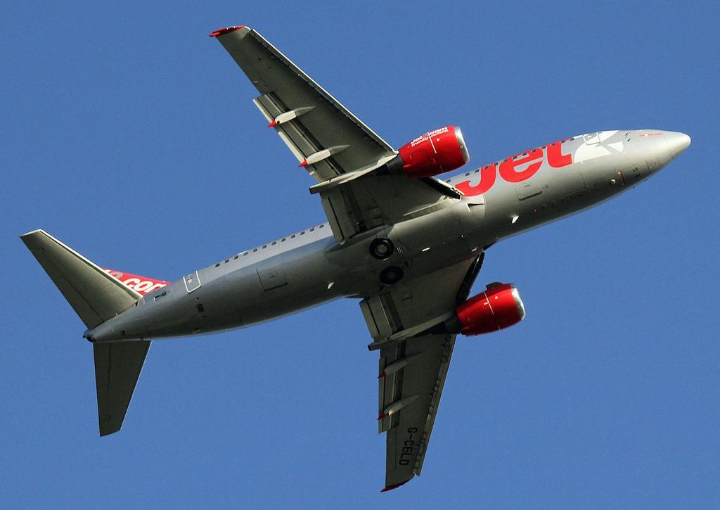Jet2 737-300, G-CELD <br /> By Graham Vlacho.