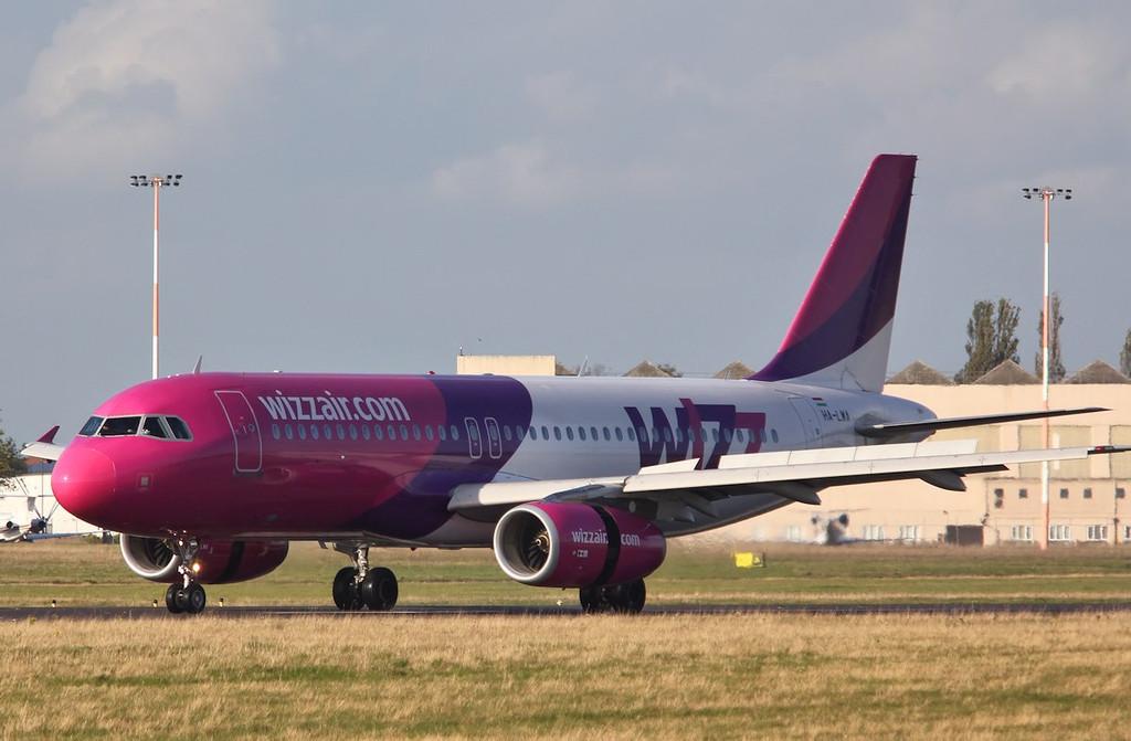 Wizz Air A320, HA-LWA<br /> By Correne Calow.