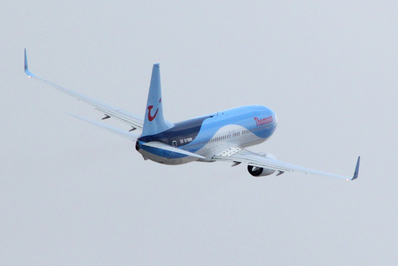 Thomson Airways 737-800 G-TAWN.<br /> By Clive Featherstone.