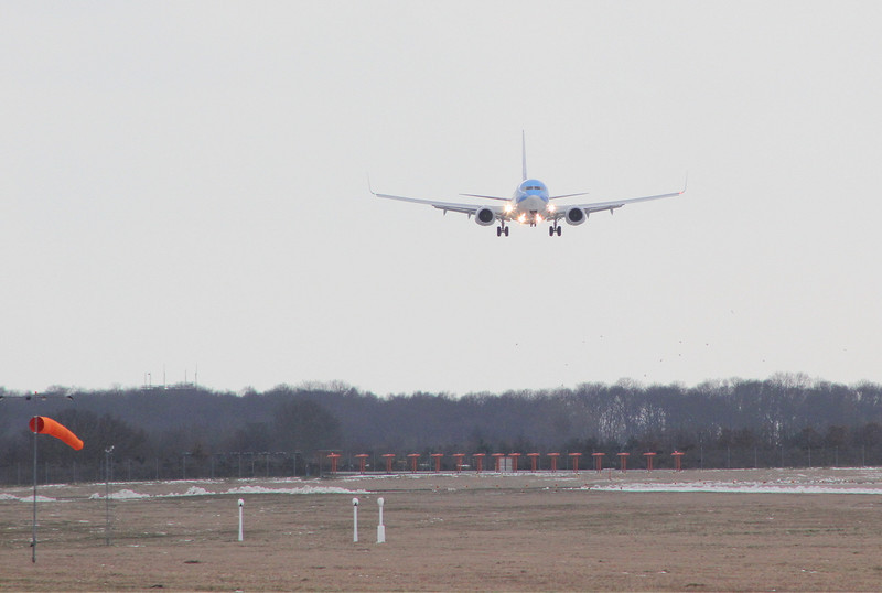 Thomson Airways 737-800 G-TAWN about to touch down on its first visit.<br /> By Clive Featherstone.
