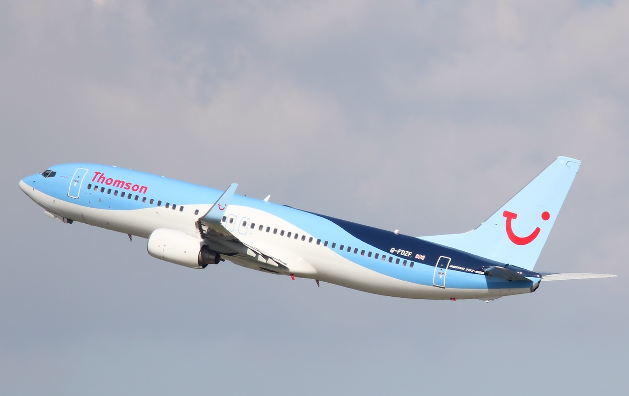 Thomson Airways B737-800, G-FDZF<br /> By Correne Calow.