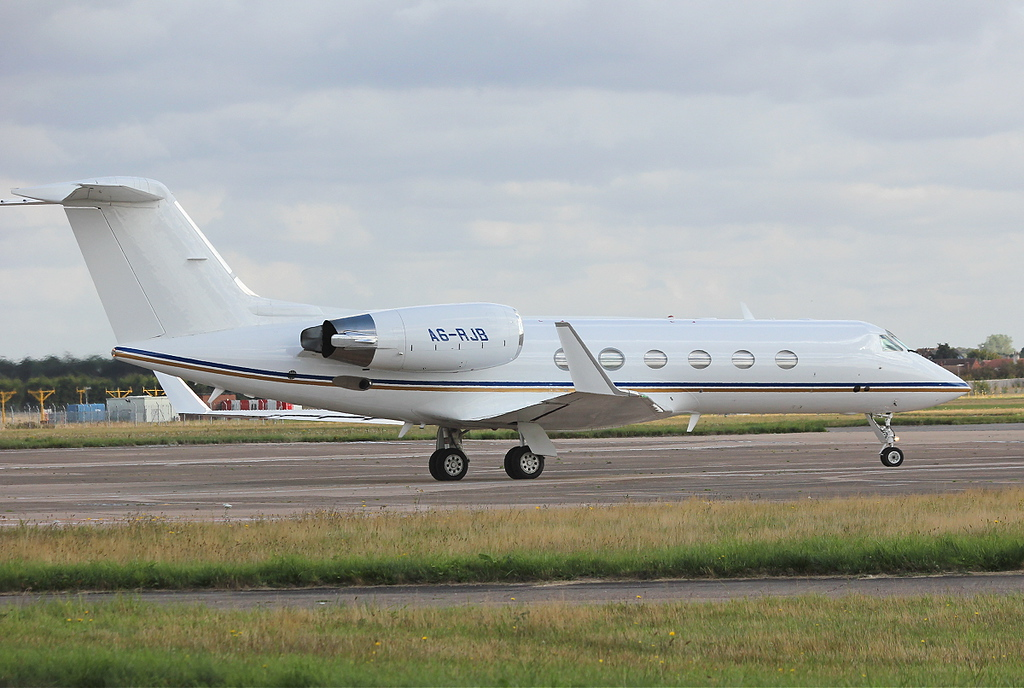Royal Jet Gulfstream G300 A6-RJB.<br /> By Clive Featherstone.