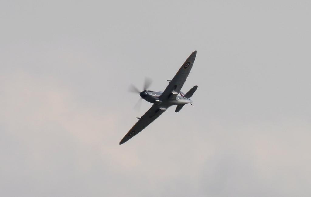 Spitfire LFXVIe, TD248 (G-OXVI).<br /> By Jim Calow.
