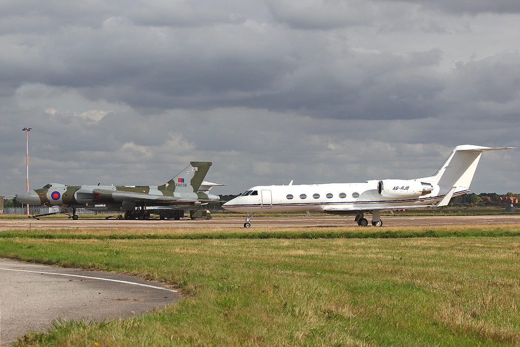 Royal Jet Gulfstream G300 A6-RJB & XH558 soak up the sunshine.<br /> By Clive Featherstone.