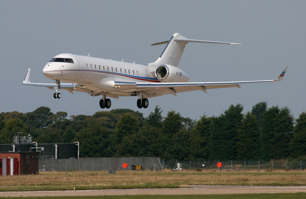Bombardier Global 6000, EI-SSF<br /> By Jim Calow.