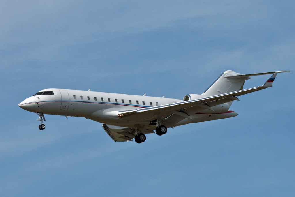 Bombardier Global 6000, EI-SSF<br /> By David Bladen.
