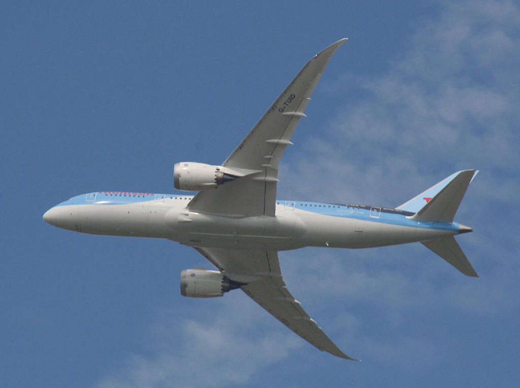 Thomson Airways 787-800 G-TUID departs over Bawtry on a training flight.<br /> By Graham Vlacho..