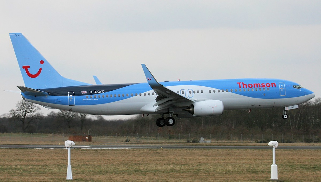 Thomson Airways  737-800, G-TAWO struggles with the strong crosswind<br /> By Jim Calow.