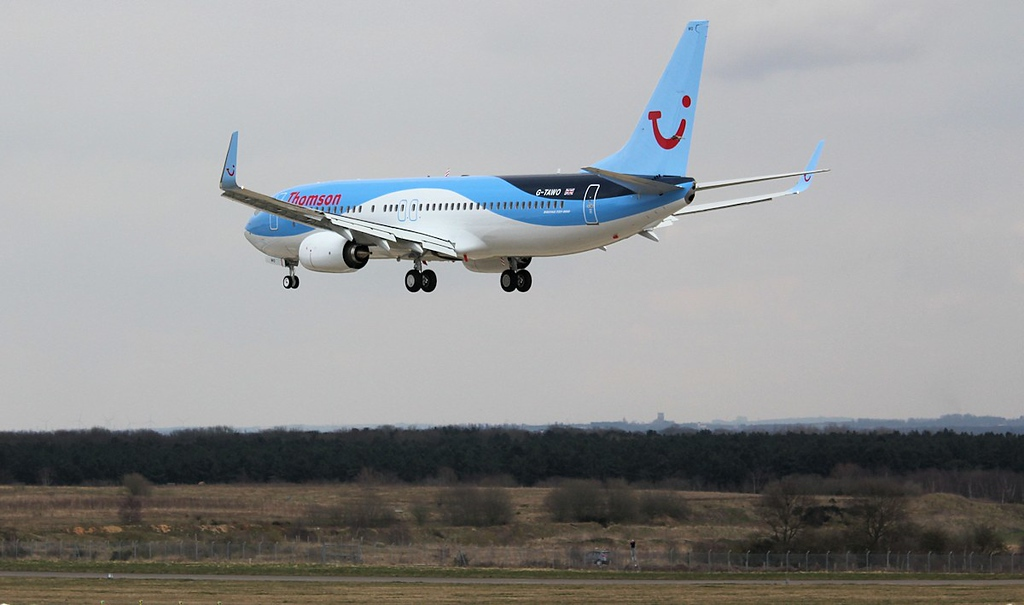Thomson Airways  737-800; G-TAWO over the piano keys<br /> By Correne Calow.