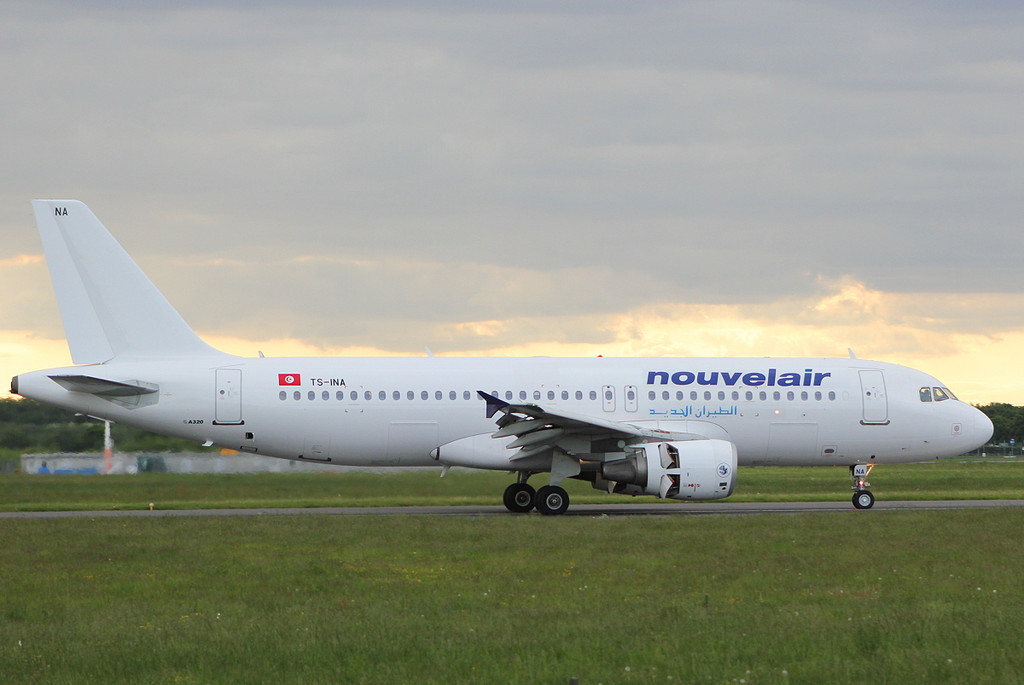Nouvelair A-320, TS-INA<br /> By Clive Featherstone.