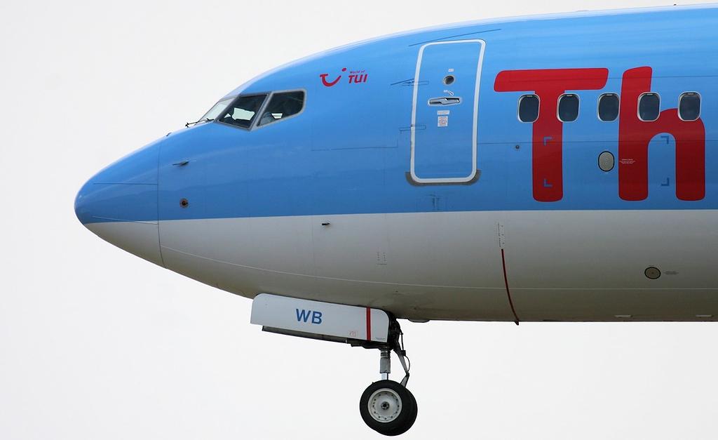 Thomson Airways 737-800, G-TAWB.<br /> By Jim Calow.