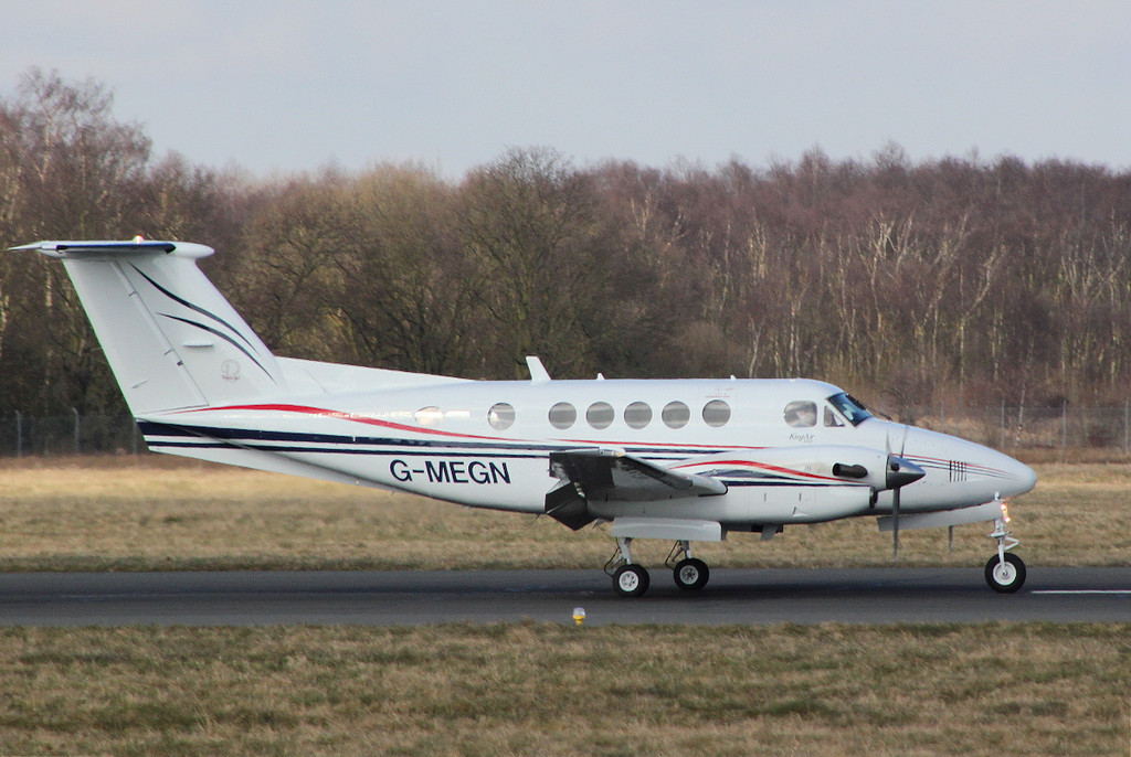 Beech B200 Super King Air, G-MEGN<br /> By Clive Featherstone.