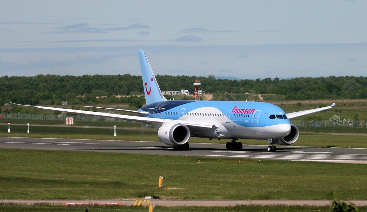 Thomson Airways 787-800, G-TUIB<br /> By Jim Calow.