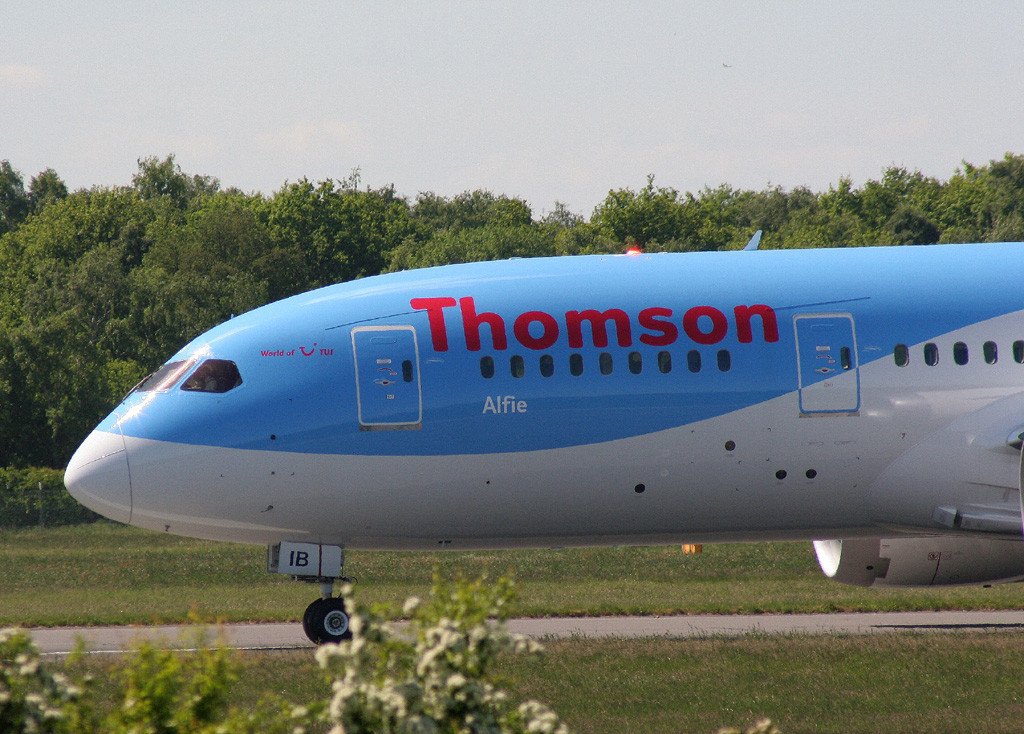 "Thomson Airways 787-800, G-TUIB  ""Alfie""<br /> By Graham Vlacho."