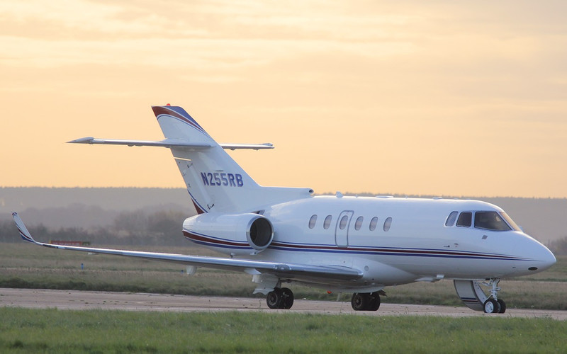 Ratheon Hawker 850XP, N255RB<br /> By Correne Calow.