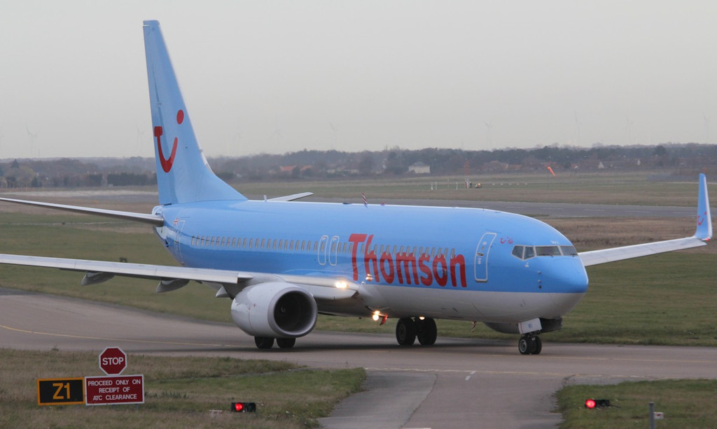 Thomson Airways 737-800, G-TAWI<br /> By Correne Calow.
