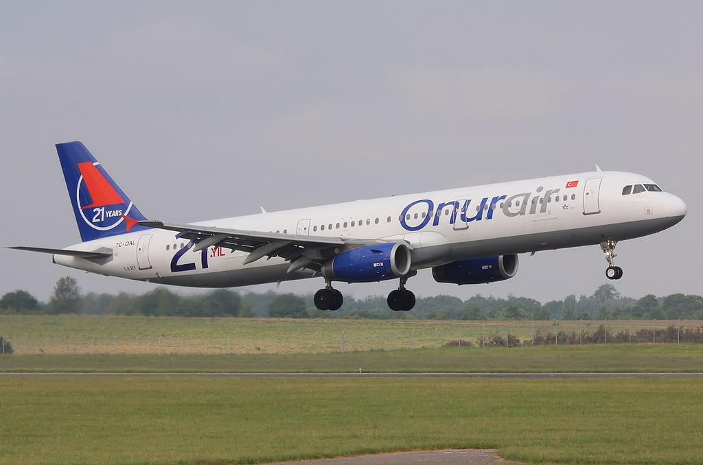 Onurair A321, TC-OAL<br /> By Correne Calow.