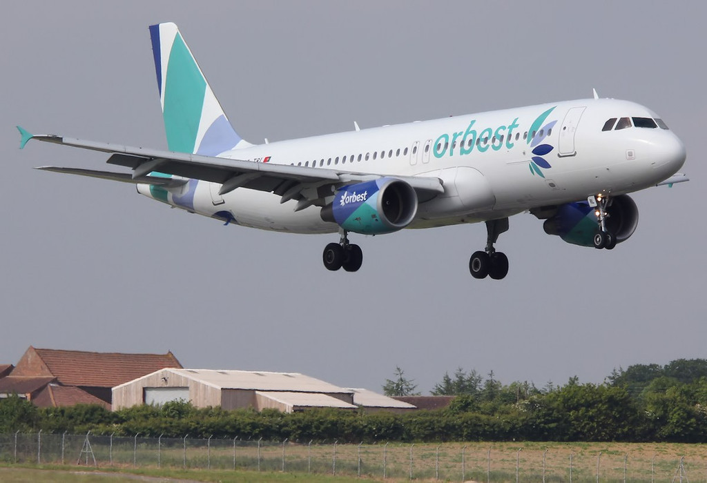 Orbest A320, CS-TRL<br /> By Correne Calow.