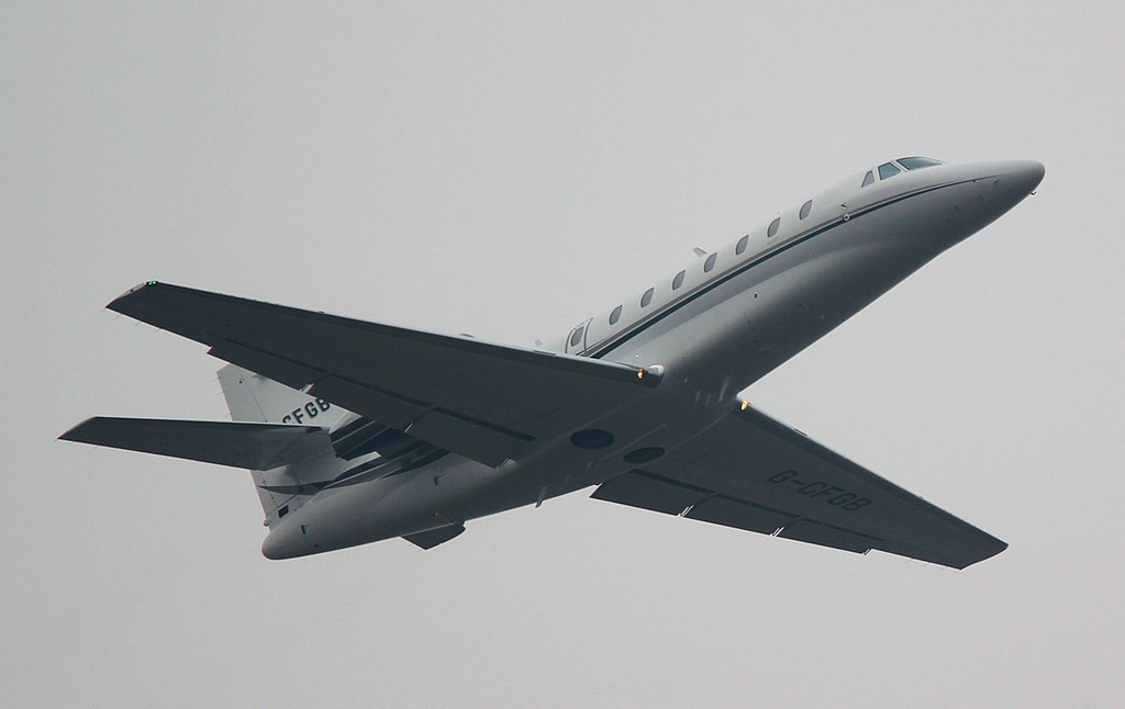 Cessna 680 Citation Sovereign, G-CFGB heads into the gloom<br /> By Correne Calow.