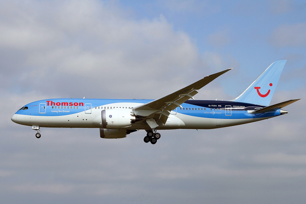 Thomson Airways 787-800 G-TUIA.<br /> By Tony Lowther.