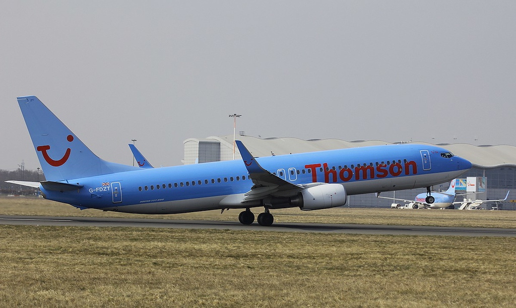 Thomson Airways B737-800, G-FDZT<br /> By Steve Roper.