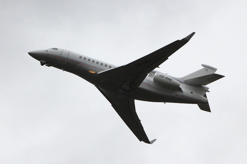 Netjets Dassault Falcon 7X, CS-DSD<br /> By Clive Featherstone.