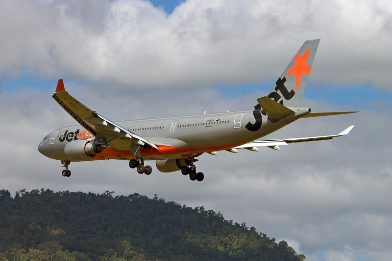VH-EBA JETSTAR A330-200