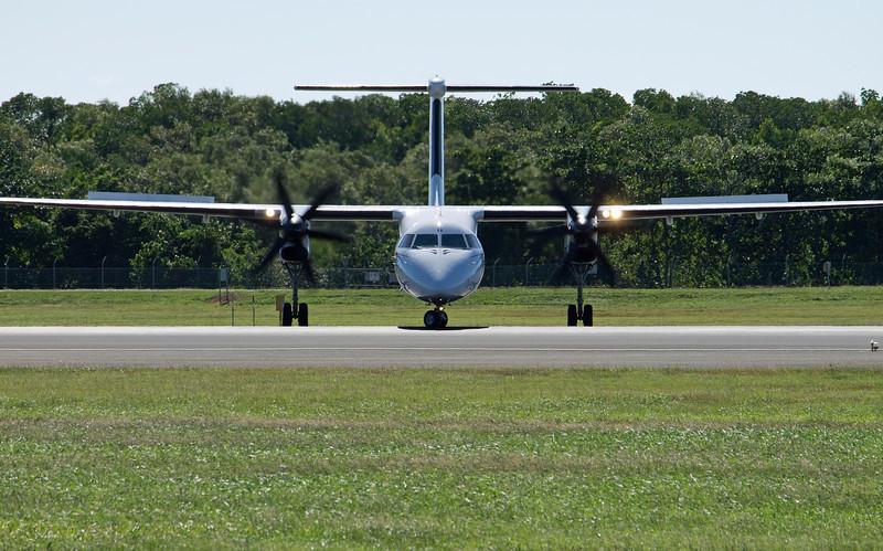P2-PXQ AIR NIUGINI DASH-8-Q400