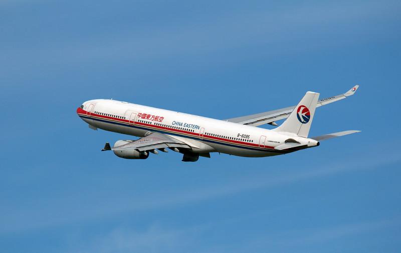 B-6095 CHINA EASTERN A330-300