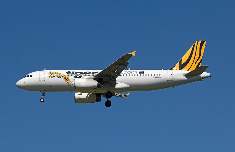 VH-VNO TIGER A320