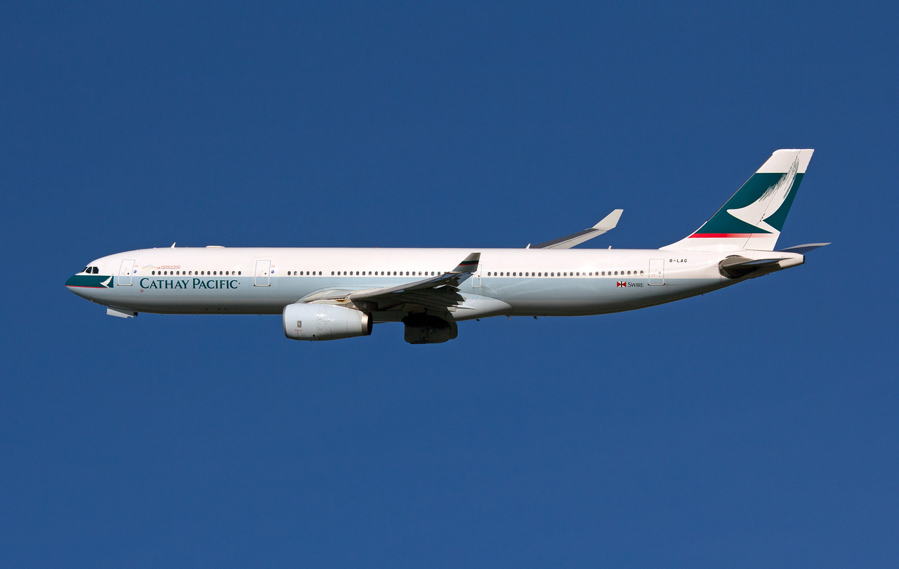 B-LAG CATHAY PACIFIC A330-300
