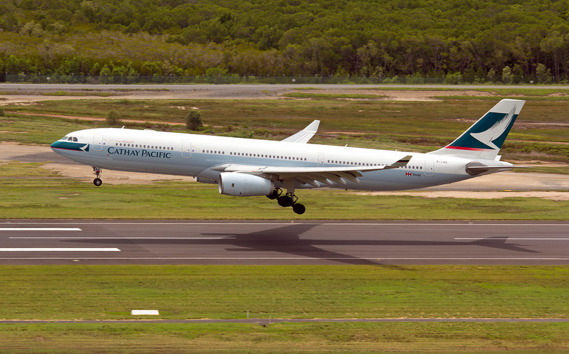 B-LAO CATHAY PACIFIC A330-300