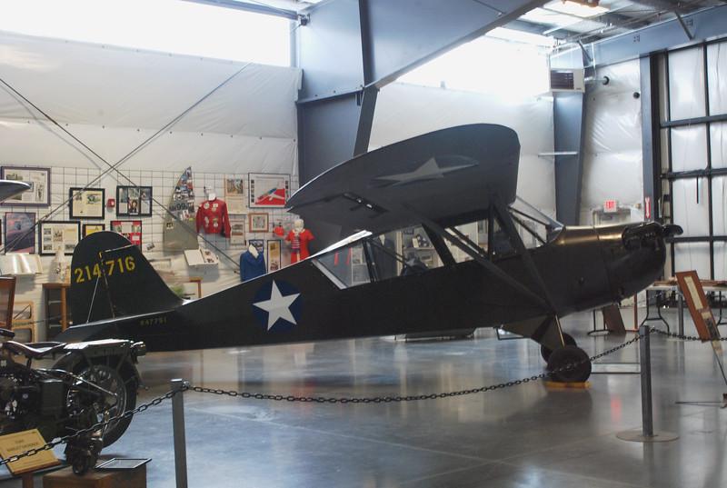 Aeronca 1942 L-3B Grasshopper side rt