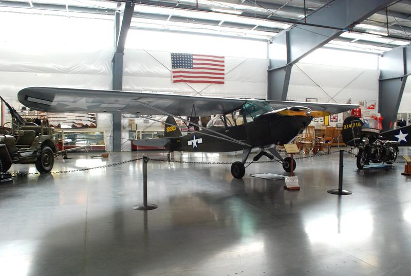 Taylorcraft 1943 L-2M Grasshopper ft rt