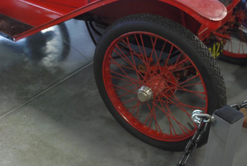 Trumbull 1915 Model 15-B roadster ft wheel