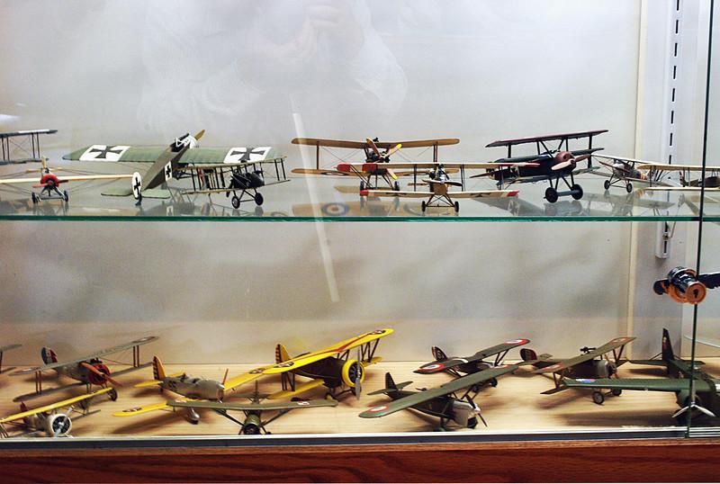 Model aircraft 2