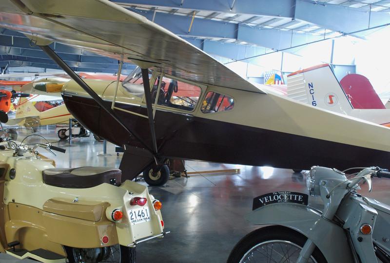 Taylorcraft 1941 BC12-65 rr lf 3_4