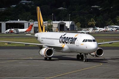 VH-VNQ TIGERAIR A320