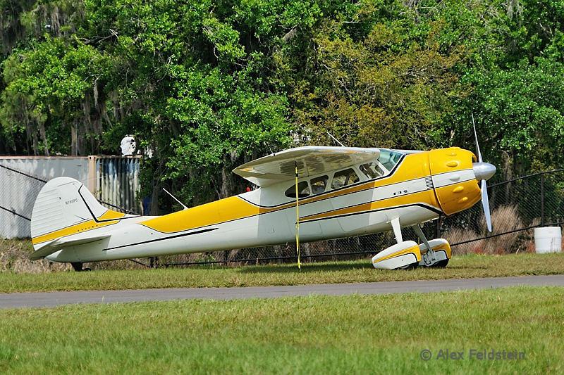 1954 Cessna 195B Businessliner