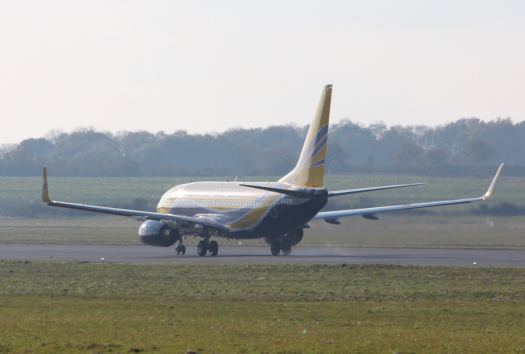 Europe Airpost Boeing 737-700 F-GZTF.<br /> By Clive Featherstone.